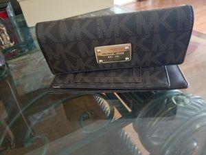 ORIGINAL MICHAEL kors wallet for Sale in Silver Spring, MD