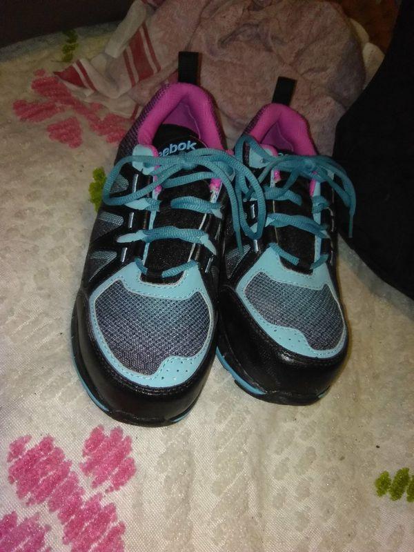 PRICE DROP!!!! Brand new Reebok size 7 M women s work shoes ... 9f92552b4