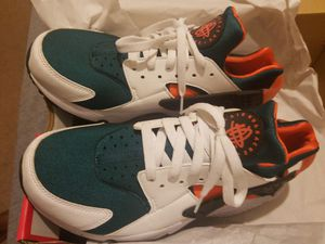 Nike Huaraches New Size 9 for Sale in Manassas, VA