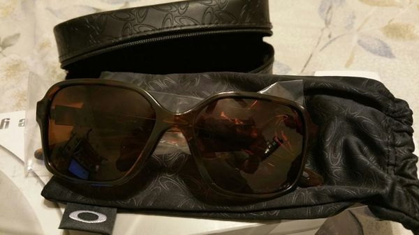 8133861ed3247 New Oakley Proxy polarized women sunglass for Sale in Pasadena
