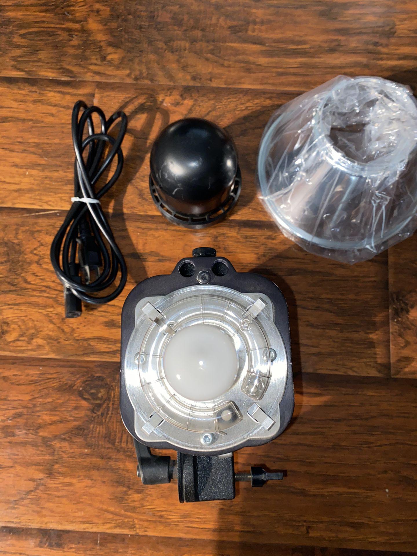 Paul C. Buff White Lightning X1600