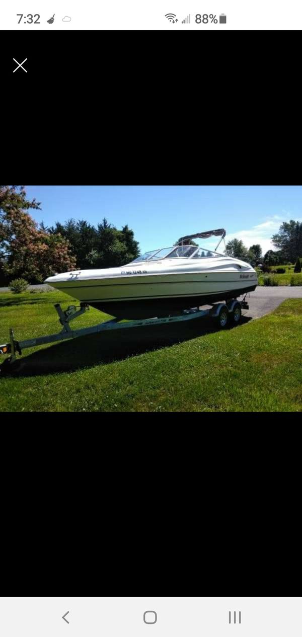 For sale 1998 wellcraft 2400 eclipse bow rider.