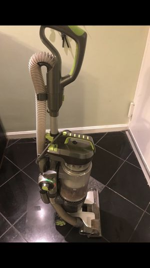 Hoover Air Pro Upright Vacuum for Sale in NO POTOMAC, MD