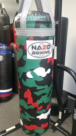 BOXING PUNCHING BAG HEAVY BAG for Sale in Los Angeles, CA