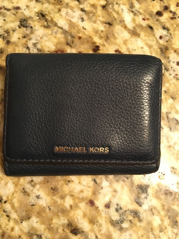 5dbe19e1c886 Authentic Michael Kors Wallet 9/10 condition for Sale in Fort Worth ...