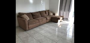 Sectional sofa for Sale in HALNDLE BCH, FL