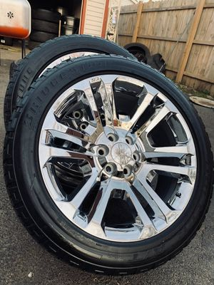 Photo 22 inch oem gm chrome wheels with tires