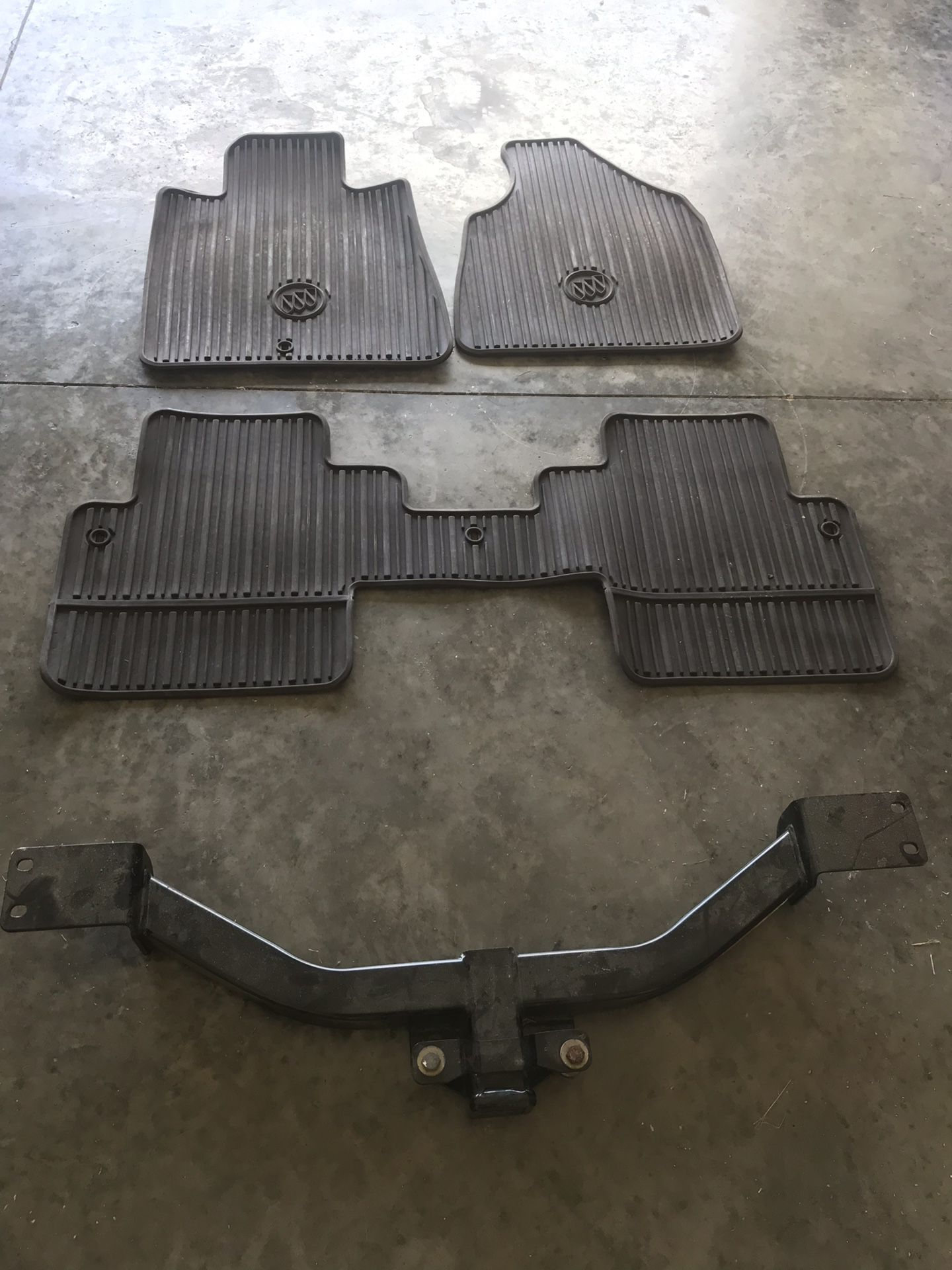 2016 Buick Enclave weather tech floor mats and Tow hitch $ 200.00