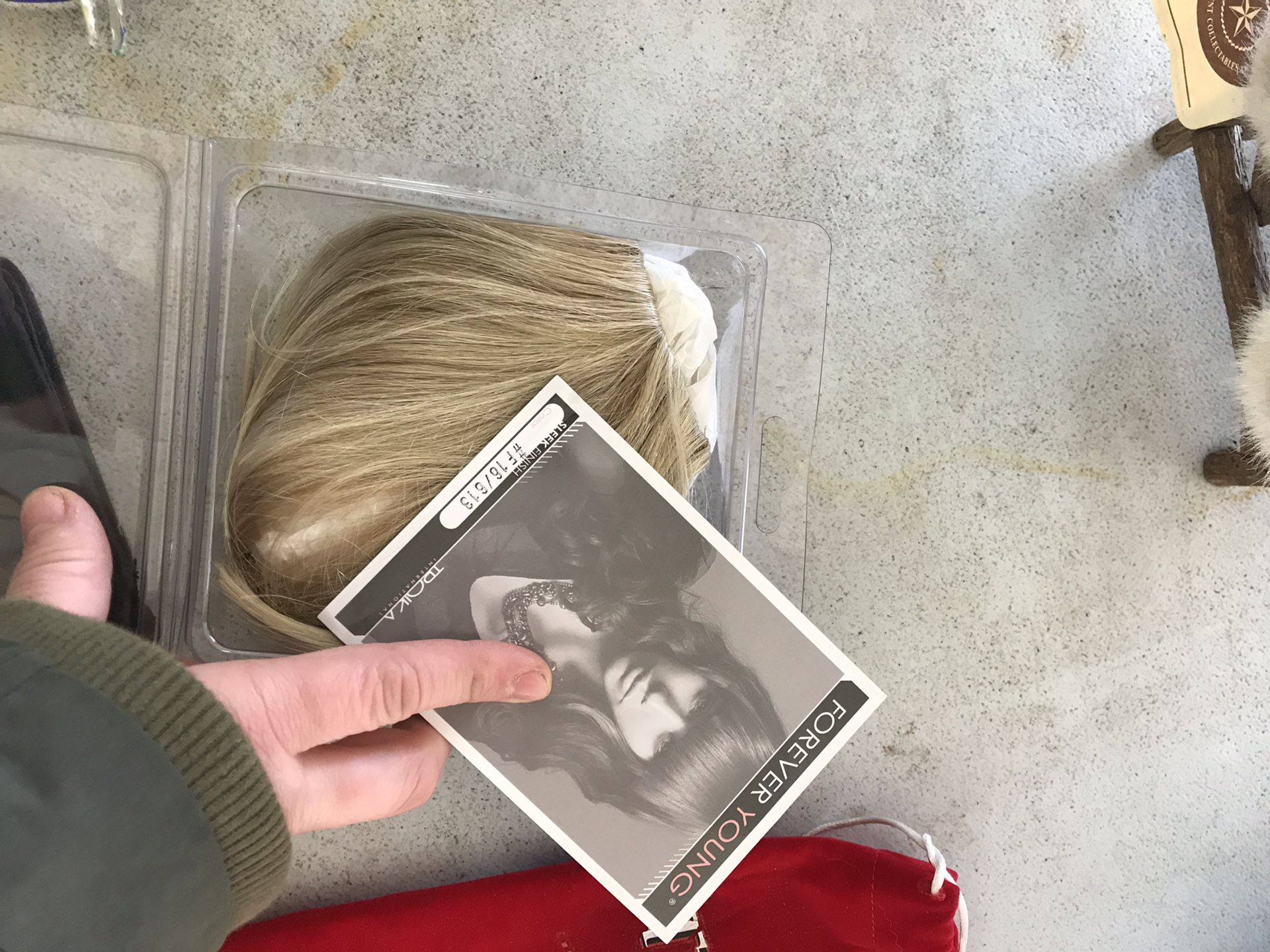Clip-on blonde bangs