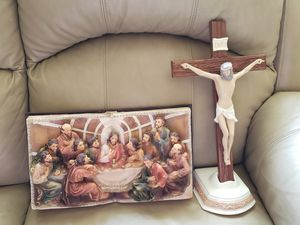 Holy dinner in a bible. ceramic crucifix. for Sale in Fort Washington, MD