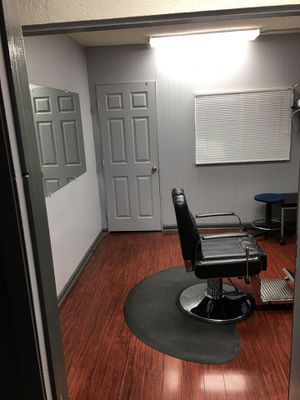 Great private working space .......600 monthly for Sale in Los Angeles, CA