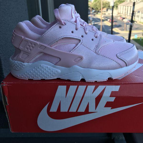 BRAND NEW Nike Huarache Shoes for Sale in Dallas 550b5409e