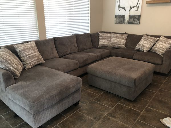 Wondrous Jeromes Harper Sectional And Chaise Lounge For Sale In Evergreenethics Interior Chair Design Evergreenethicsorg