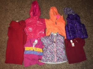 Girl 7 pieces 2T-4T WINTER clothes for Sale in Manassas, VA