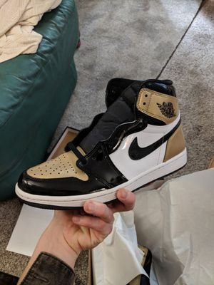 Jordan 1 Gold Toe sz 10 for Sale in Denver, CO
