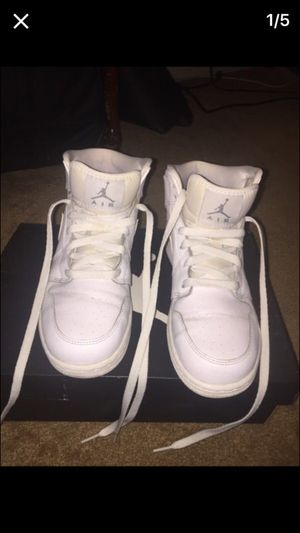 finest selection 9aad2 20451 White Nike Air Jordan s Men s Size 6 1 2-7 for Sale in City