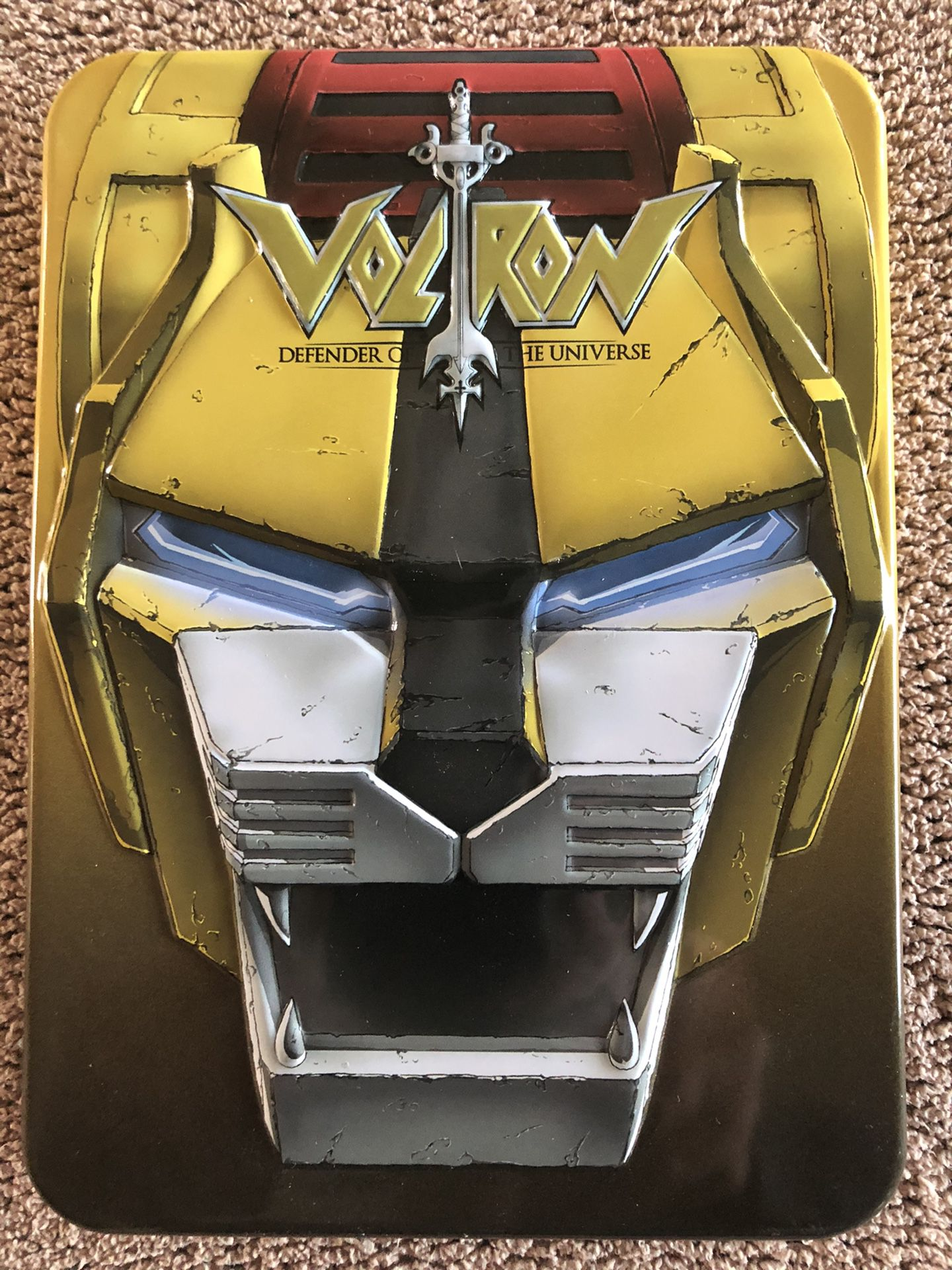 New never played voltron yellow edition dvds in rare collectible tin