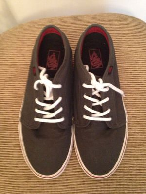 5e88c8e8f5bb0f Vans Gray white red size 11 worn twice for Sale in Fort Lauderdale