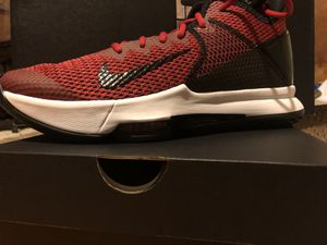 Photo Lebron witness IV basketball shoe Nike New in box men's size 10 red and black