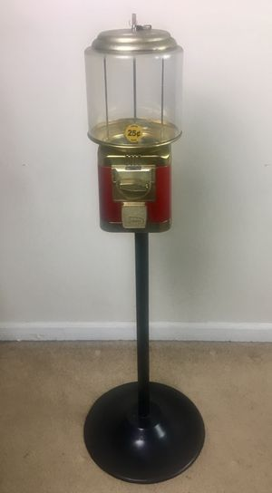 Photo Seaga Gumball/Candy Vending Machine with Key and Stand