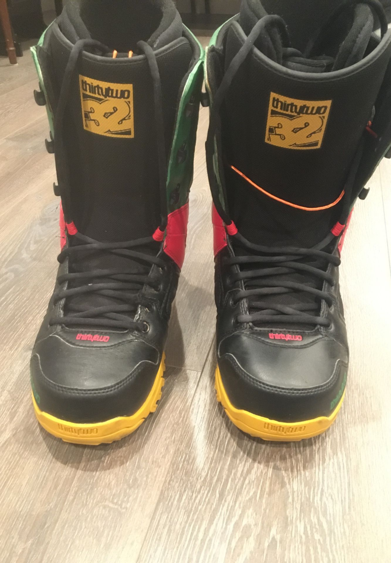 ThirtyTwo Snowboarding Boots