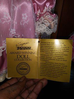 SEYRNOUR MANN inc. -- award winning (GLASS) doll collection. Name- VALERIE for Sale in Paulsboro, NJ