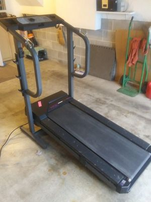 Photo Weslo Cadence DL treadmill