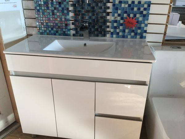 "Custom made 36"" bathroom vanities. Come visit us and design your own vanities!! for Sale in Miami, FL - OfferUp"