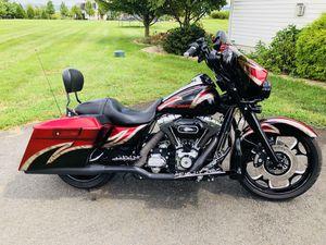 2013 Harley Davidson Street Glide w / low miles for Sale in Lovettsville, VA