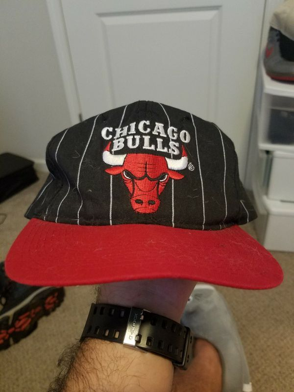 7730c94b910 90s Starter Chicago Bulls snapback black and white pinstripe with red trim