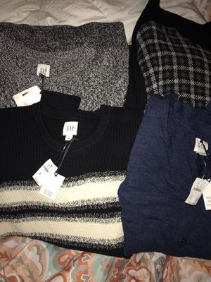 BRAND NEW GAP & CHAPS MENS SWEATERS & cardigan for Sale in Lowell, MA