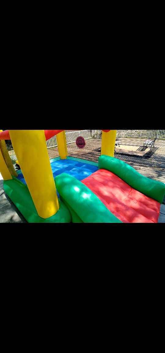 Little Tikes Jr. Bounce House