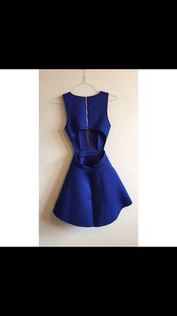 Blue dress Thumbnail