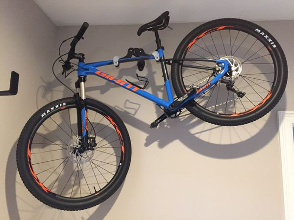 13713628661 2019 Giant Fathom 2 29er Mountain Bike - Medium - Like New! - TRADE FOR  DIRT JUMPER OR BMX for Sale in West Palm Beach, FL - OfferUp