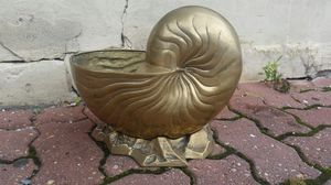 Art Nouveau/Hollywood Regency brass nautilus planter for Sale in Gaithersburg, MD