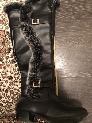 Women boots size 7 for Sale in Herndon, VA