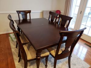 9 piece dining table set for Sale in Chantilly, VA
