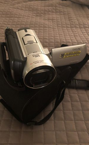 Sony handycam with bag and cables for Sale in Arlington, VA