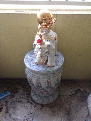 Escultura for Sale in Miami, FL