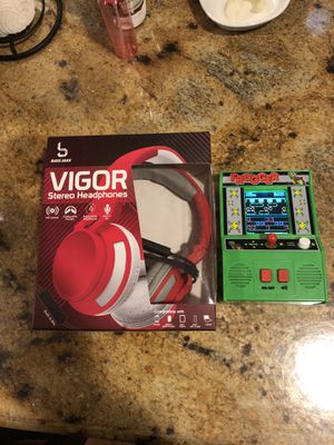 Kids headphones and frogger video game . for Sale in Stafford, TX