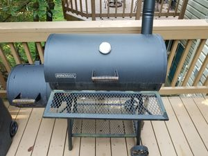 Brinkman charcoal grill for Sale in Herndon, VA