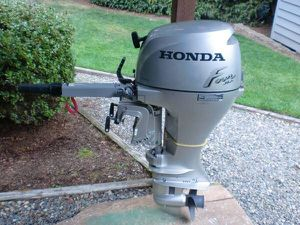 2001 Four Stroke Honda Outboard Motor , 8 hp for Sale in Puyallup, WA