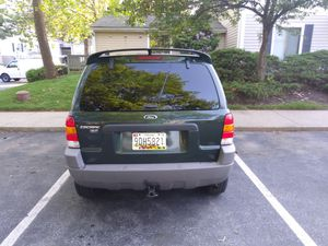 Ford escape 2002 todo cuero cd dvd player tactil 4×4 sonido al 100 for Sale in Germantown, MD