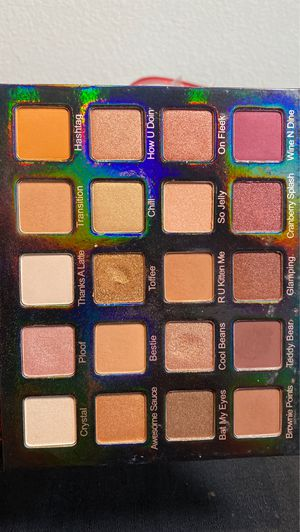 Photo Violet Voss HD eyeshadow palette (makeup cosmetics make up beauty)