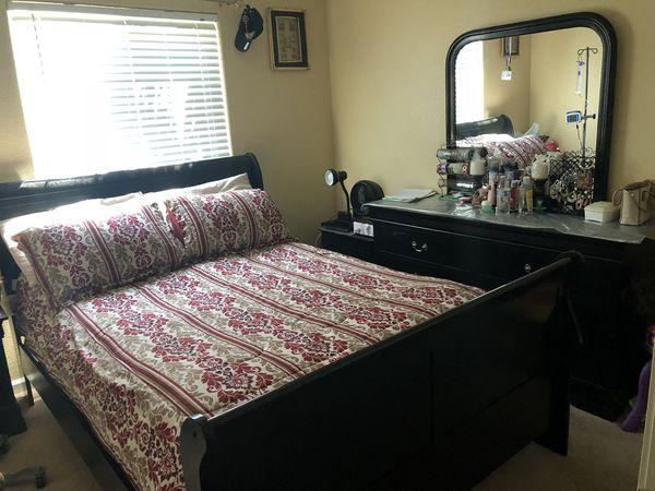 Black queen bedroom set for Sale in Lodi, CA - OfferUp