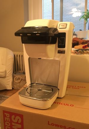 Keurig single cup coffee brewer for Sale in Denver, CO
