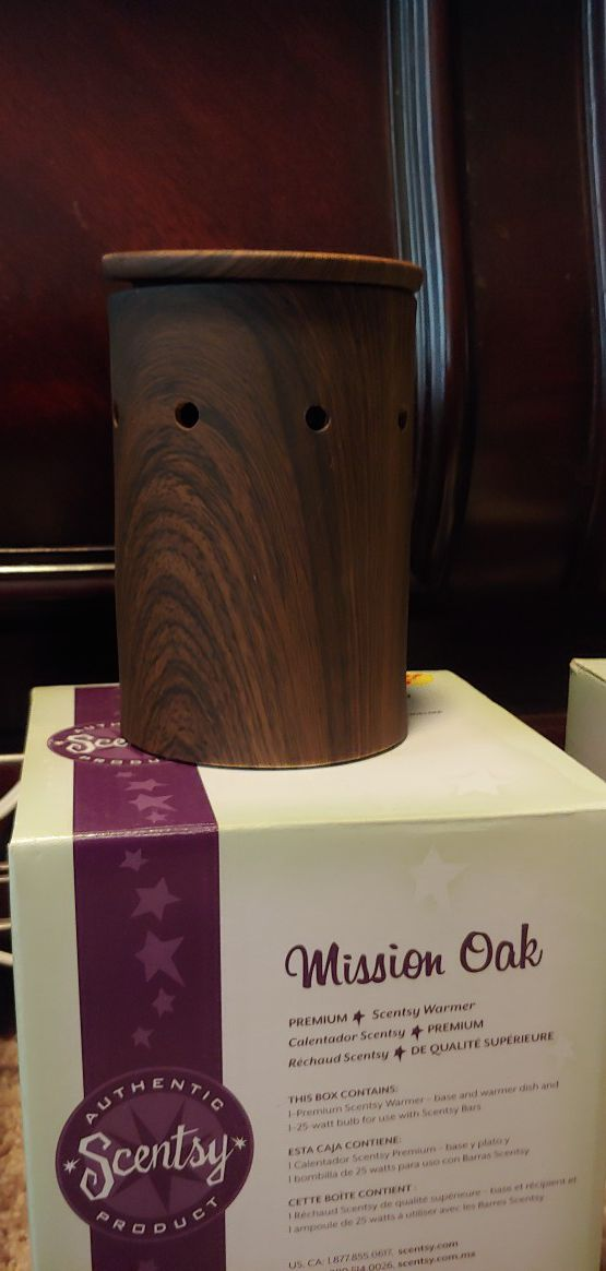 Scentsy Warmer - Mission Oak
