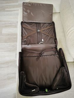 Suit Carrying Travel Luggage Thumbnail