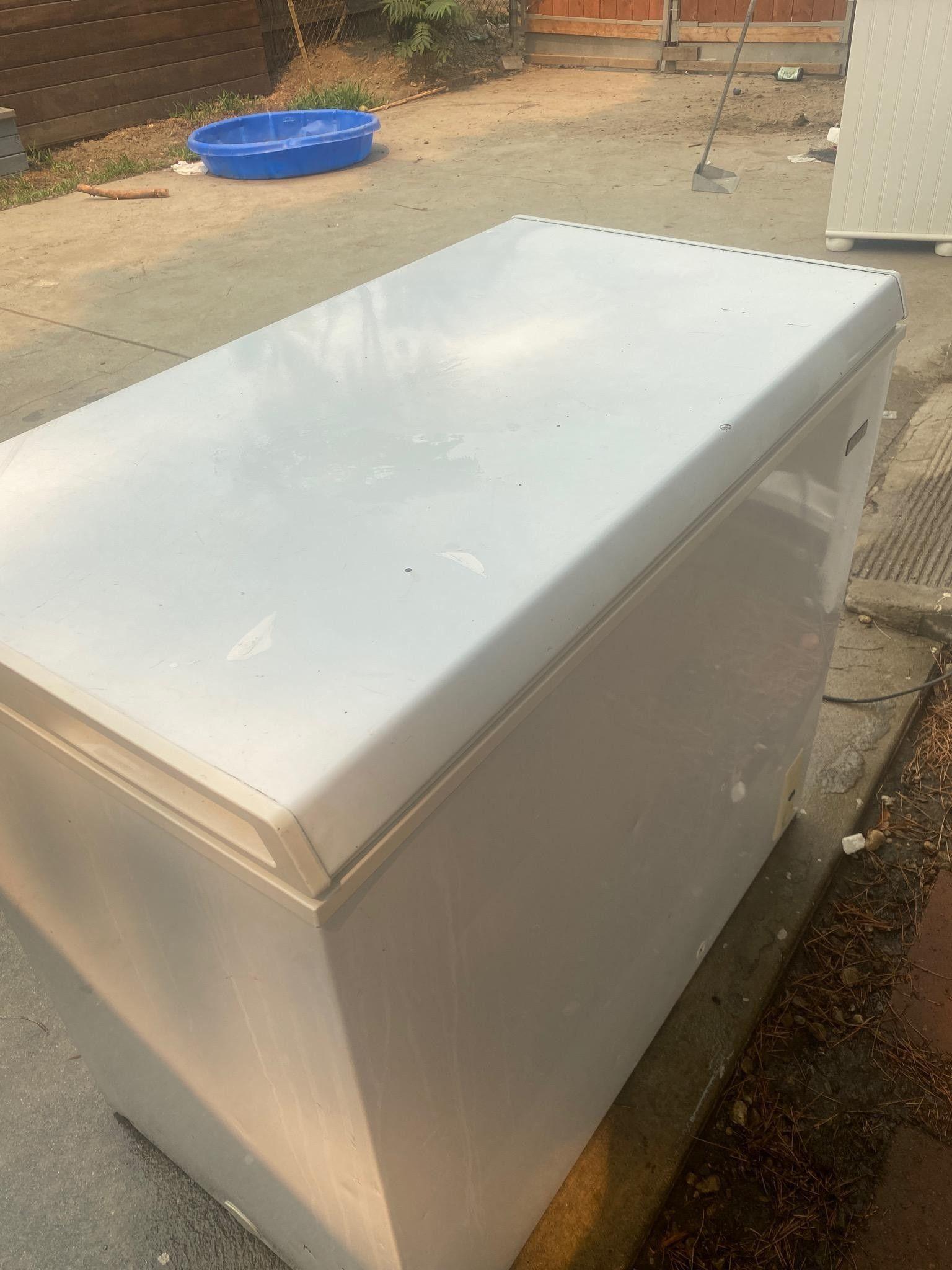 Idylis 7.0 cu. Ft chest freezer
