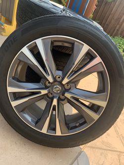 2017 Nissan Pathfinder rims Thumbnail